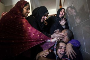 Gazans grieving July 31 2014