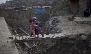 Afghan refugee in Pakistan (M. Muheisen) Feb 21 2015