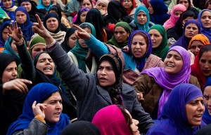 Kashmiri women : Dar Yasin:AP Dec 29 2015