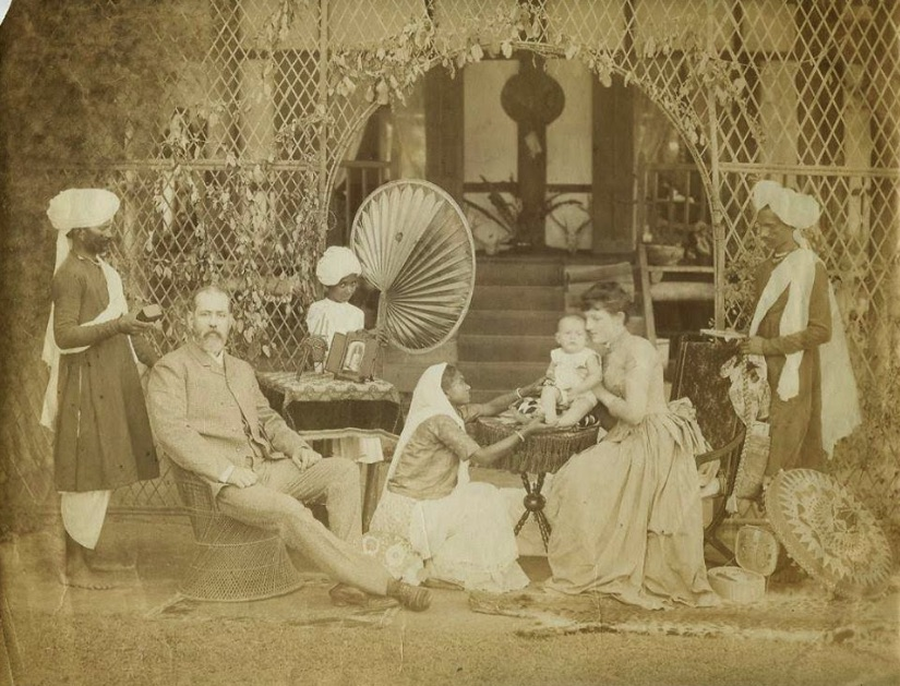 british raj in india The social and economic impact of british rule in india right from the beginning of their relationship with india, the british, who had come as traders and had become rulers and administrators, had influenced the economic and political systems of the country.