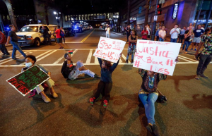 Charlotte NC protest for Keith Scott (REUTERS:Jason Miczek) Sept 22 2016