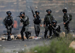 Israeli troops near Ramallah (REUTERS:Mohamad Torokman) May 15 2017