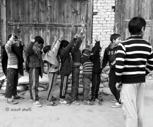 Kashmiri kids playing frisk (Aasif Shafi) Feb 8 2018