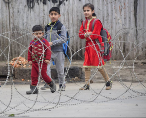 Kashmiri kids and razor wire (Basit Zargar) Mar 6 2018
