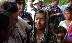 Karen Pierce, UK ambassador to UN & 12-yr-old Rohingya girl (- Michelle Nichols:Reuters) May 2 2018