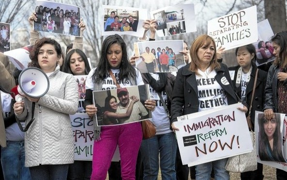 Immigration rights protests target Obama for not delivering on campaign promises