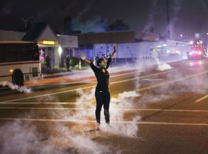 Ferguson woman in tear gas August 22 2014