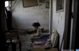 Gaza--despondent girl Augusut 3 2014