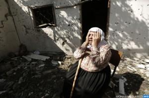 Gazan woman crying August 4 2014