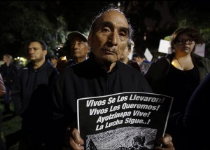 LA solidarity with MX  Nov 22 2014 (Francine Orr:LA Times)