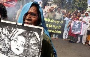 Bhopal protest (Sanjeev Gupta:EPA) Dec 3 2014