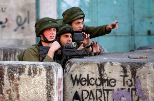 Israeli soldiers in Hebron (Mussa Qawasma:Reuters) Mar 7 2015