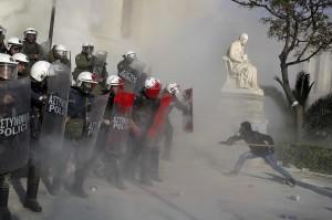 Greek protester (Alkis Konstantinidis:Reuters) Apr 17 2015
