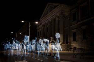 Spain hologram protest (QMS Comunicacion:AFP:Getty Images) Apr 20 2015