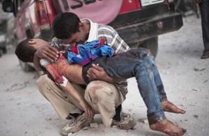Syrian man grieving son (Manu Brabo:AP)