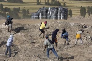 Peru farmers ( Martin Mejia:AP ) May 15 2015