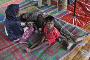 Rohingya on land (AP Photo:Binsar Bakkara) May 21 2015