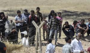 Syrians at Turkish border (Bulent Kilic:AFP:Getty Images) June 12 2015