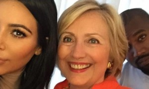 Clinton selfie (Twitter) August 7 2015