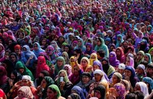 Kashmir funeral:protest (Yawar Nazir:Getty Images)  Sept 15 2015