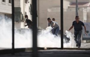 Protests in West Bank town of Al-Ram for Al-Aqsa (Mohamad Torokman:Reuters) Sept 16 2015