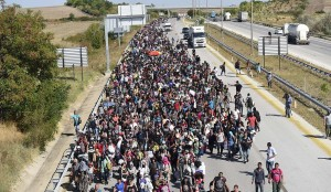 Refugees marching to Greek border from Greece (Bulent Kilic:AFP:Getty Images) Sept 20 2015