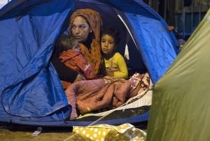 French refugee camp dismantled ( Joel Saget:AFP:Getty Images) Oct 2 2015