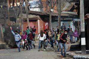 Kashmir stone-throwers