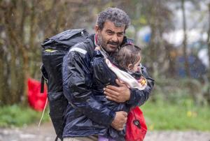 Refugee at Macedonian border (Robert Atanasovski:AFP:Getty Images) Nov 29 2015