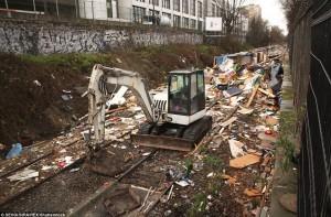 Demolition of Paris Roma settlement (SEVGI:SIPA:REX:Shutterstock) Feb 5 2016