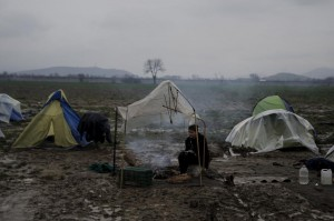 Makeshift tent at Idomeni ( REUTERS:Alkis Konstantinidis) Mar 15 2016