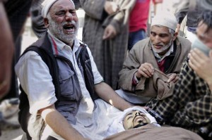 Hardwara grieving father (from Kashmir Dispatch)