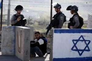 Palestinian at Beit Hanoun checkpoint (Abed Al Hashlamoun:EPA) Apr 4 2016