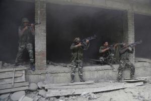 Kashmiri soldiers shooting