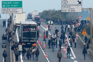 Lorry drivers, et al at Calais (Reuters) Sept 5 2016