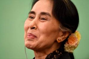 Aung San Suu Kyi Nov 4 2016 in Japan (AFP-JIJI) Nov 19 2016