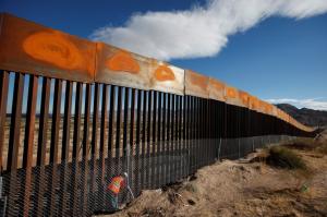US-MX barrier wall at Juarez (Jose Luis Gonzalez) Nov 10 2016