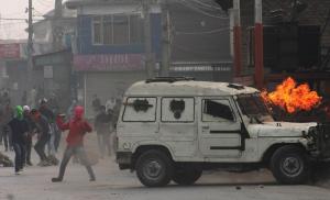 Srinagar protest after Friday prayers (from Basit Zargar) Dec 30 2016