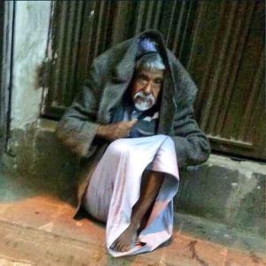 Elderly homeless man in Yemen