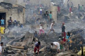 Navotas slum fire (Bullit Marquez:AP) Jan 13 2017