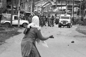 Kashmiri woman stone thrower Mar 10 2017