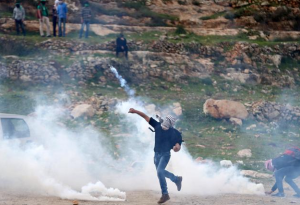 Palestinian rally outside Ofer (REUTERS:Mohamad Torokman : Mar 7 2017
