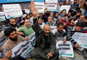 Kashmir-protesting Modi at inaug of Chenani-Nashri tunnel (Danish Ismail:Reuters) Apr 3 2017