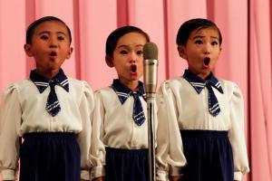 North Korean kids singing (posted Dec 29 2012)