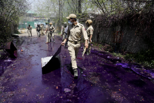 Purple rain vs students Kashmir (Mukhtar Khan:AP) Apr 19 2017