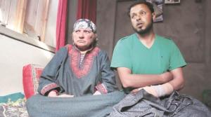 Farooq Ahmed Dar & mom (Shuaib Masoodi) May 22 2017