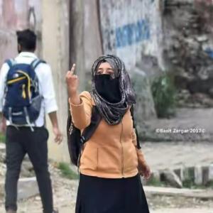 Kashmir- flipping the bird (Basit Zargar) May 17 2017