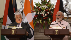 Palestinian leader Mahmud Abbas (left) and PM Modi in a press conference in New Delhi.(AFP Photo) May 16 2017