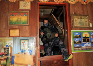 Marawi City, Mindanao house to house search (Reuters) June 12 2017