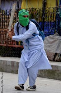 Masked Kashmiri protester (Bilal Ahmad) June 2 2017
